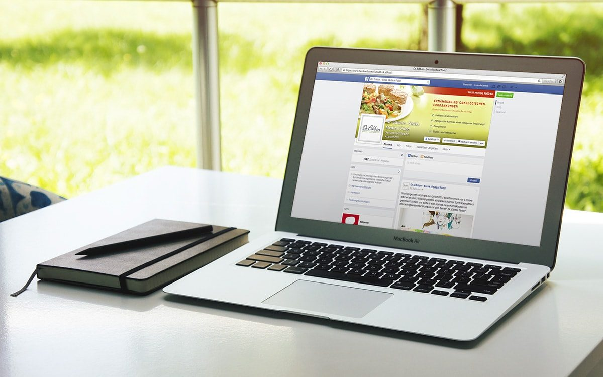 Swiss Medicial Food Facebook Kanal auf einem Laptop