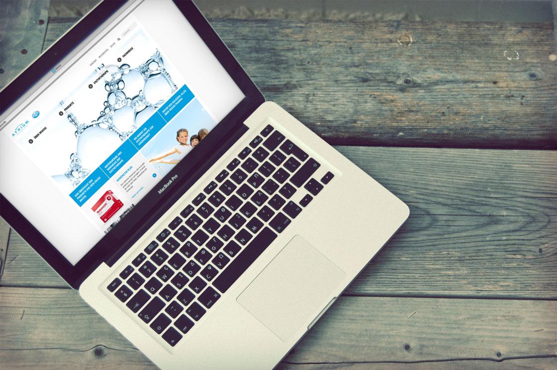 MUCOS Pharma - Webseite auf einem Laptop
