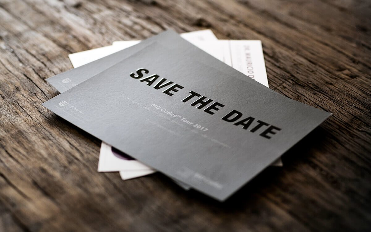 Save the date-Flyer mit individueller Veredelung Allergan Frontalsicht